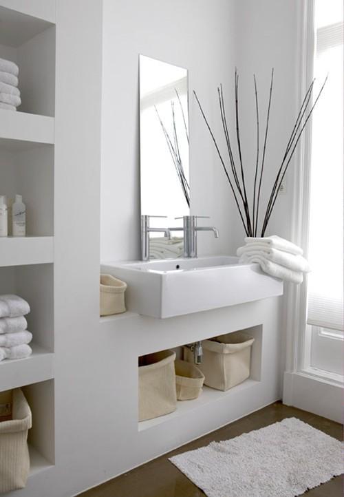 Modele Chambre A Coucher Pour Fille :  en valeur de jolis éléments paniers linge de toilettes plantes