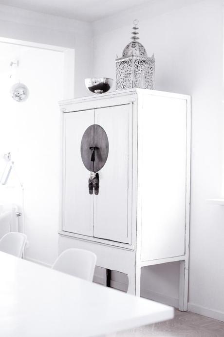 d co scandinave vive les armoires chinoises. Black Bedroom Furniture Sets. Home Design Ideas