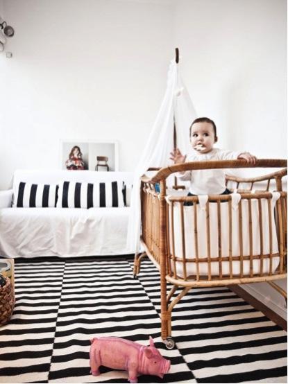 Id es d co pour de jolies chambres d enfant en noir blanc - Chambre bebe noir et blanc ...