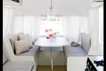 id e d co installer son bureau dans une caravane. Black Bedroom Furniture Sets. Home Design Ideas