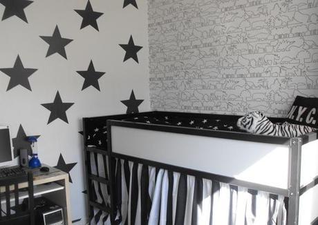 Today i les murs toil s dans la chambre des enfants - Etoiles fluorescentes plafond chambre ...