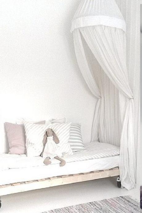 id es d co un ciel de lit pour une chambre boh me et cosy. Black Bedroom Furniture Sets. Home Design Ideas