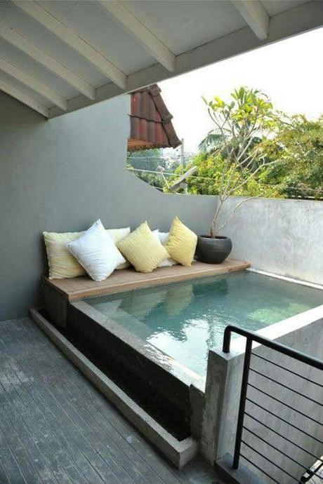 Piscine dans un petit jardin id es et inspirations for Mini piscine jardin