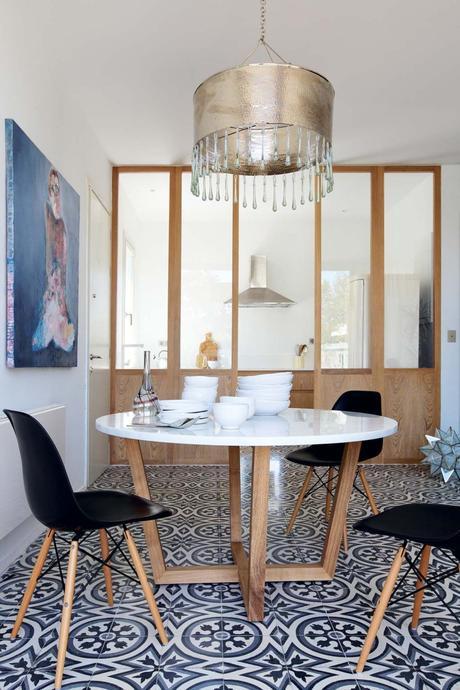 visite d co r novation place aux carreaux de ciment. Black Bedroom Furniture Sets. Home Design Ideas