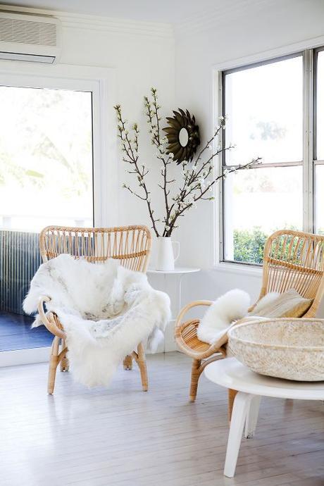 wishlist un fauteuil rotin et un miroir assorti pour ma deco. Black Bedroom Furniture Sets. Home Design Ideas