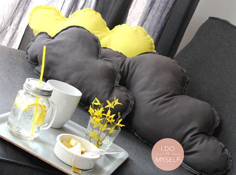 diy 17 le coussin nuage. Black Bedroom Furniture Sets. Home Design Ideas