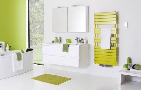 Une salle de bains d co jusqu au bout du radiateur for Salle de bain vert gris