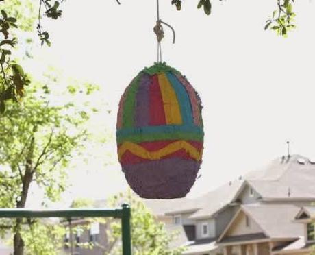 Fabriquer une pinata pour Pâques, chasse aux oeufs de Pâques, au trésor..