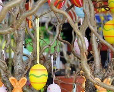 Pour Pâques, fabriquer un arbre aux oeufs