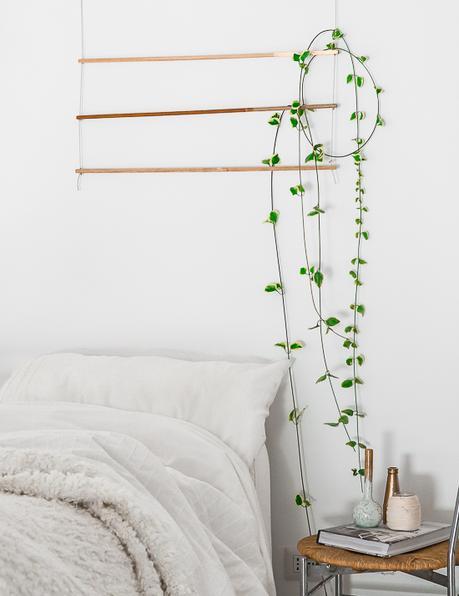diy une suspension verte murale en t te de lit. Black Bedroom Furniture Sets. Home Design Ideas