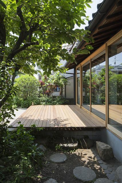 nom d 39 une maison japonaise qui transfigure la beaut. Black Bedroom Furniture Sets. Home Design Ideas