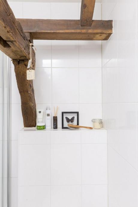 7-badkamer-wit-hout