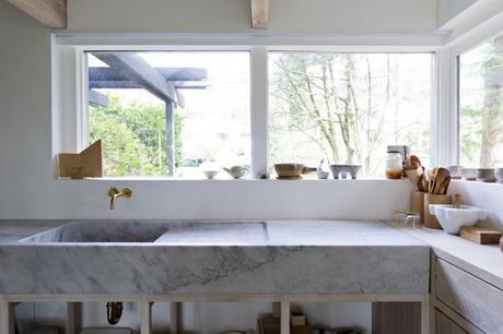Cucine moderne con lavello sotto finestra ispirazione di - Cucina con finestra sul lavello ...