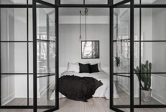 stockholm une chambre avec verri re. Black Bedroom Furniture Sets. Home Design Ideas