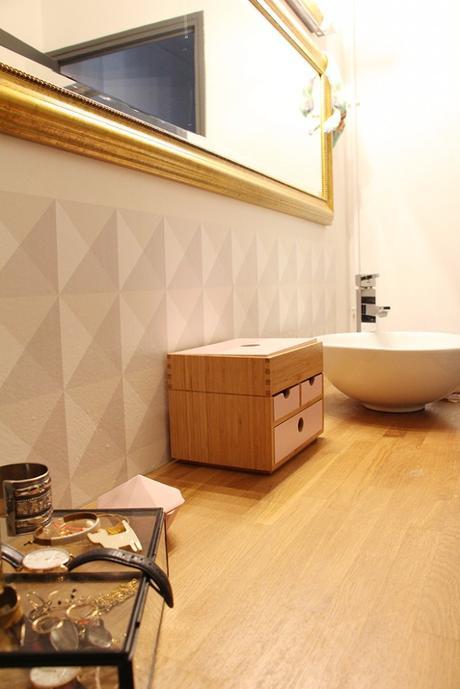 une cr dence pour la salle de bain. Black Bedroom Furniture Sets. Home Design Ideas