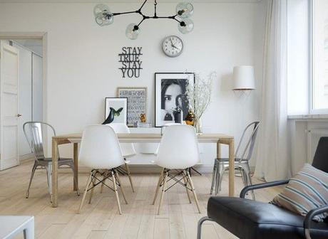 chaises-depareillees-tendance-scnandinave-eames-design-tolix-salle-a-manger-parquet-blanchi-eames-bird