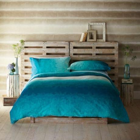 10 id es pour faire soi m me sa t te de lit diy. Black Bedroom Furniture Sets. Home Design Ideas