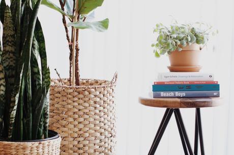 Des paniers en guise de caches pots pour mes plantes.
