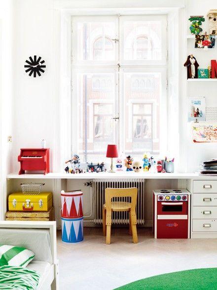 id es pour un coin bureau enfant tr s d co. Black Bedroom Furniture Sets. Home Design Ideas