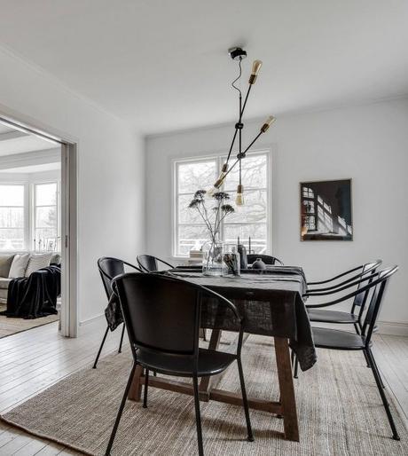 visite d co la maison jaune au bord du lac. Black Bedroom Furniture Sets. Home Design Ideas