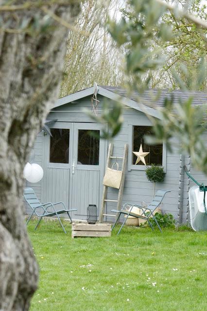 Avant Apres D Une Cabane De Jardin Avec Les Peintures V33