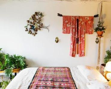 [ON AIME OU ON N'AIME PAS] les kimonos accrochés au mur