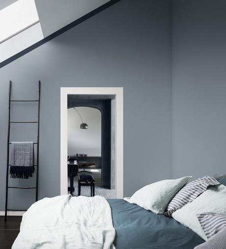 chambre mur bleu gris deco masculine