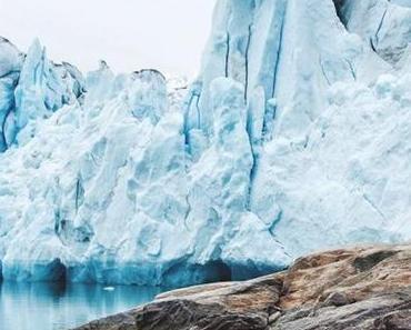 Et si le bleu glacier était la couleur de ce printemps ? Zoom sur cette teinte fraîche et trendy.